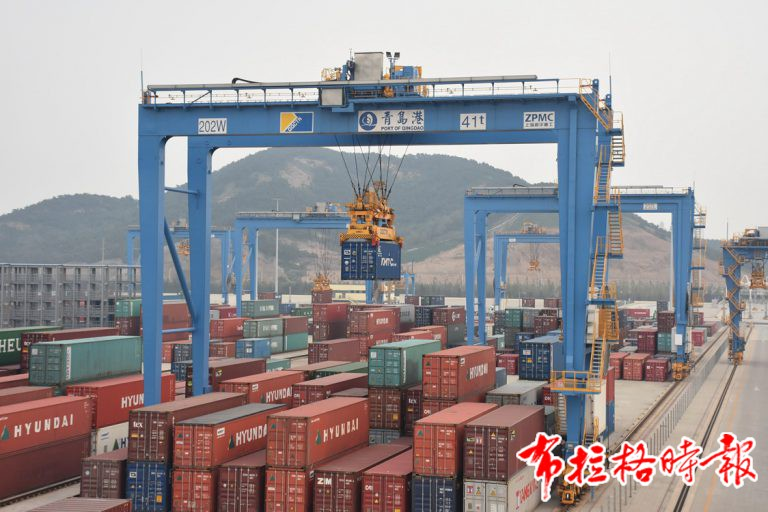 DSC 4005 768x512 - 【布拉格时报】海外华媒看山东 | 青岛港全自动化集装箱码头